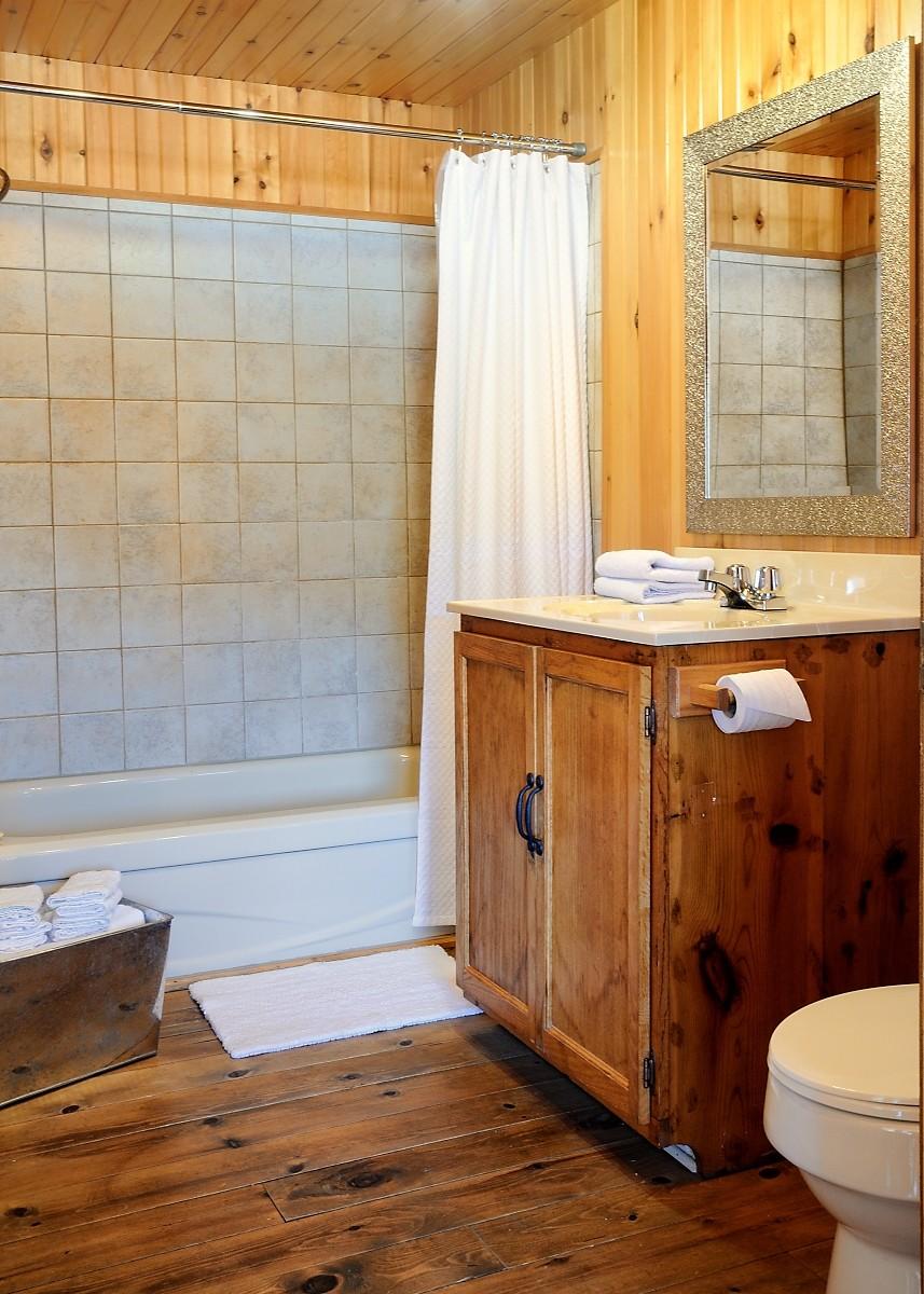 chalet louer lanaudi re le vacancier spa priv. Black Bedroom Furniture Sets. Home Design Ideas